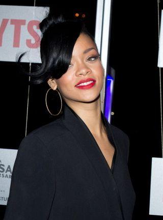 Rihanna apuesta pula Moda de Manuel Pardo